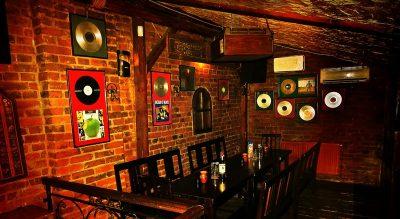 Garden Pub Pitești - Interior 1