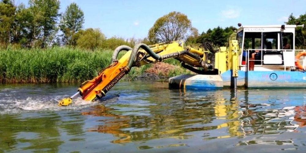 Lucrări de amploare pe Lacul Bascov (video)